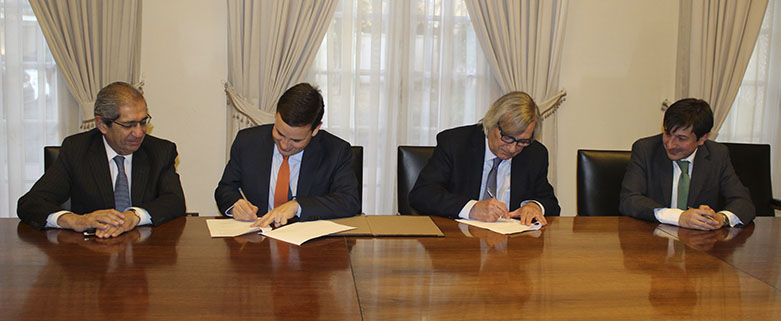 Firma de Convenio CPC-Chile Transparente