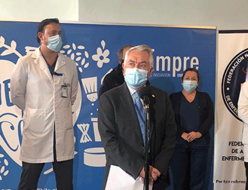 Con la presencia del Ministro de Salud Donación empresarial permite entregar más de 7 mil kits de higiene a pacientes por parte de enfermeras y enfermeros de Chile